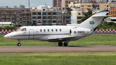 B-3909 - Hawker Beechcraft 900XP - Astro Air
