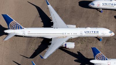N589UA - Boeing 757-222 - United Airlines