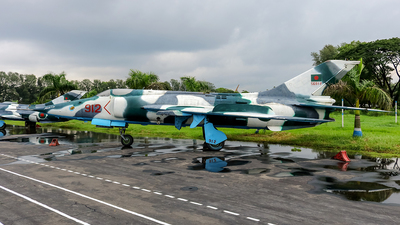 56912 - Nanchang A-5 Fantan - Bangladesh - Air Force
