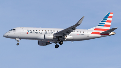 A picture of N210NN - Embraer E175LR - American Airlines - © Evan Dougherty