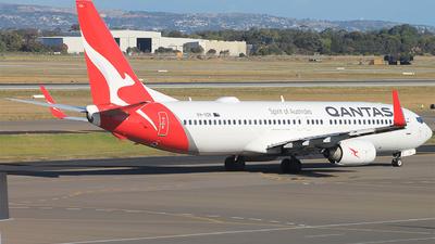 VH-VZK - Boeing 737-838 - Qantas
