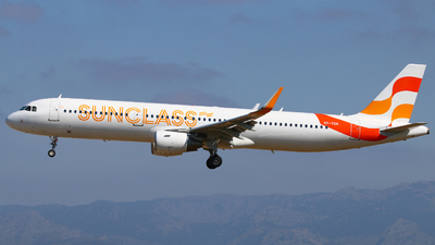 A picture of OYTCH - Airbus A321211 - Sunclass Airlines - © Andreas Fietz