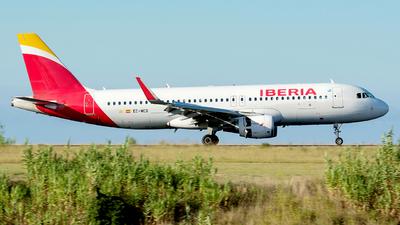 A picture of ECMCS - Airbus A320214 - Iberia - © Eduardo Paixao Silva