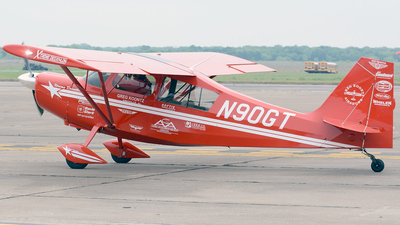 N90GT - American Champion 8KCAB Super Decathlon - Private