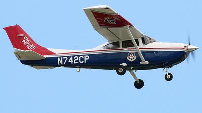 A picture of N742CP - Cessna 182T Skylane - Civil Air Patrol - © Joe Osciak