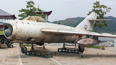 61214 - Shenyang J-5 - China - Air Force