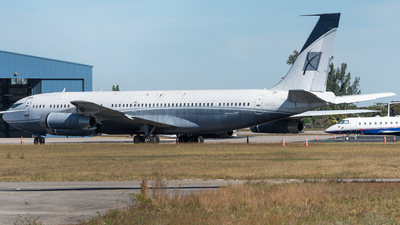 A picture of N88ZL - Boeing 707330B - [18928] - © Pat Leinweber