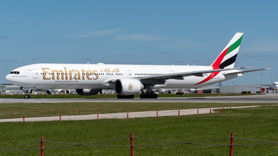 A picture of A6ECJ - Boeing 77731H(ER) - Emirates - © Miguel Viana Trajano
