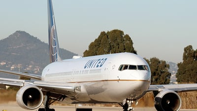 N642UA - Boeing 767-322(ER) - United Airlines