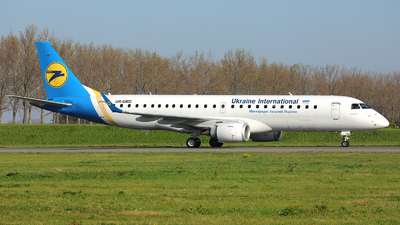 A picture of UREMD - Embraer E190LR - Ukraine Int. Airlines - © R. Eikelenboom