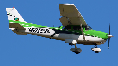A picture of N5035M - Cessna 172S Skyhawk SP - [172S8967] - © Angel Natal