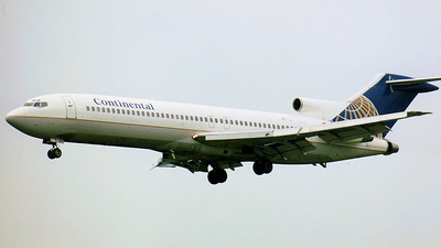 N69735 - Boeing 727-224(Adv) - Continental Airlines