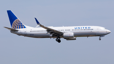 A picture of N37281 - Boeing 737824 - United Airlines - © Sweet Potato