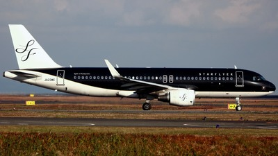 JA23MC - Airbus A320-214 - Starflyer