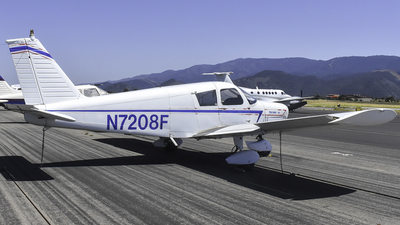 A picture of N7208F - Piper PA28140 - [2825117] - © Nathaniel Schott