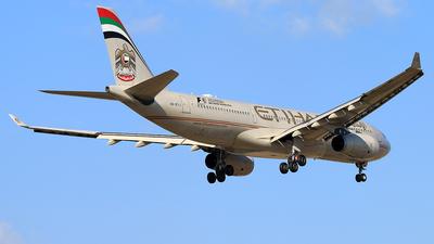 A6-EYJ - Airbus A330-243 - Etihad Airways
