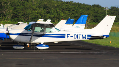 F-OITM - Cessna 172 Skyhawk - Private