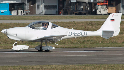 D-EBOT - Aquila A210 - Private