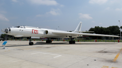 1721 - Xian H-6 - China - Air Force