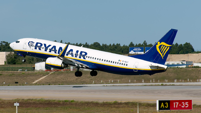 A picture of EIDLY - Boeing 7378AS - Ryanair - © Rui Marques