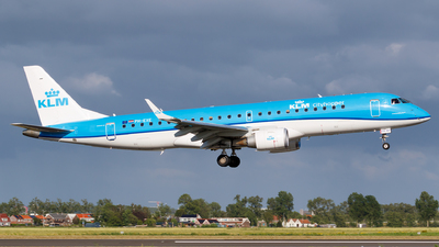 A picture of PHEXE - Embraer E190STD - KLM - © Matteo Lamberts