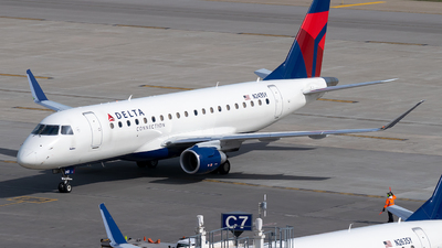 A picture of N243SY - Embraer E175LR - Delta Air Lines - © Steve Rinde