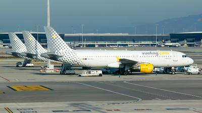EC-ICS - Airbus A320-211 - Vueling