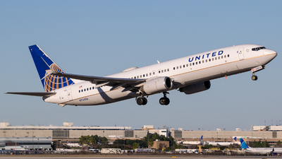 A picture of N73406 - Boeing 737924 - United Airlines - © Positive Rate Photography