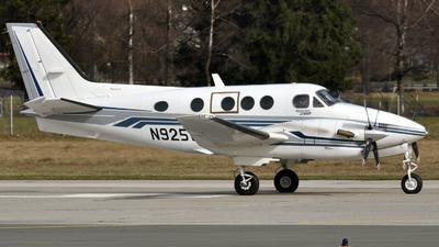 N925WW - Beechcraft C90B King Air - Private