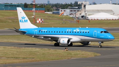 A picture of PHEXI - Embraer E175STD - KLM - © David Cook