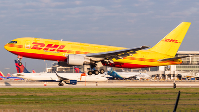 A picture of N656GT - Boeing 767281(BDSF) - DHL - © Saul Hannibal