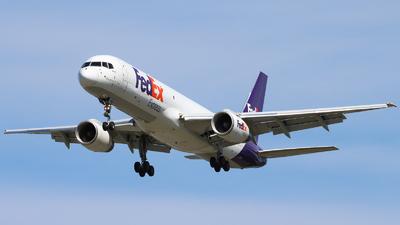 C-FMEK - Boeing 757-2B7(SF) - Fedex (Morningstar Air Express)