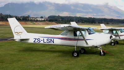 ZS-LSN - Cessna 152 - Stellenbosch Flying Club