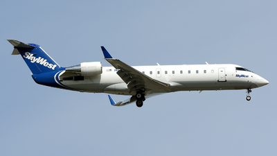 A picture of N699BR - Mitsubishi CRJ200ER - SkyWest Airlines - © JC