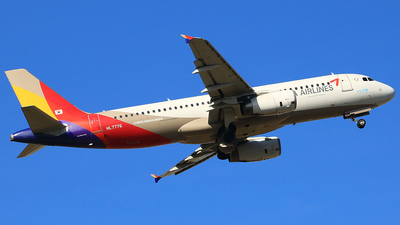HL7776 - Airbus A320-232 - Asiana Airlines