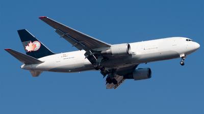 A picture of CFHCJ - Boeing 767224(ER)(BDSF) - Cargojet Airways - © Roberto Tirado