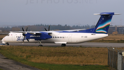 A picture of LXLGC - De Havilland Canada Dash 8400 - [4162] - © PAUL LINK