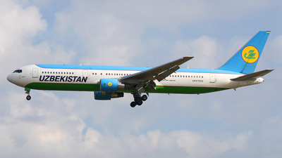 UK67002 - Boeing 767-33P(ER) - Uzbekistan Airways