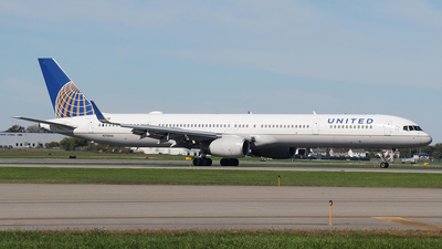 N78866 - Boeing 757-33N - United Airlines