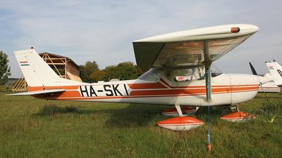 HA-SKI - Cessna 150G - Private