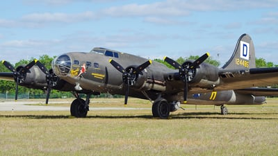 N3703G - Boeing B-17G Flying Fortress - Private