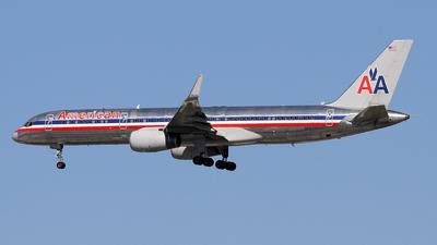 A picture of N693AA - Boeing 757223 - [26973] - © Stig Rokkones