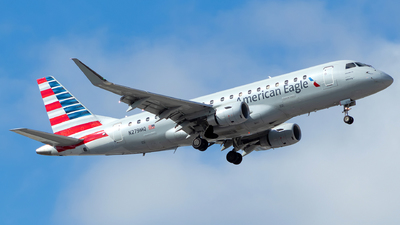 A picture of N279MQ - Embraer E175LR - American Airlines - © Lorenzo P