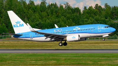 A picture of PHBGM - Boeing 7377K2 - KLM - © Laszlo Fekete