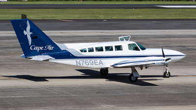 A picture of N769EA - Cessna 402C - Cape Air - © Angel Natal