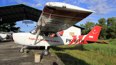 PK-WTW - Cessna 172 Skyhawk - Angkasa Aviation Academy