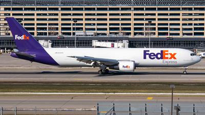 A picture of N124FE - Boeing 7673S2F(ER) - FedEx - © Steve Rinde