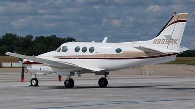 A picture of N939RK - Beech C90 King Air - [LJ725] - © Bertram Maron