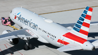 N813AW - Airbus A319-132 - American Airlines