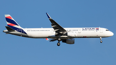 A picture of PTXPD - Airbus A321211 - LATAM Airlines - © Antonio Carlos Carvalho Jr.